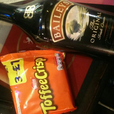 prize baileys and toffee crisp